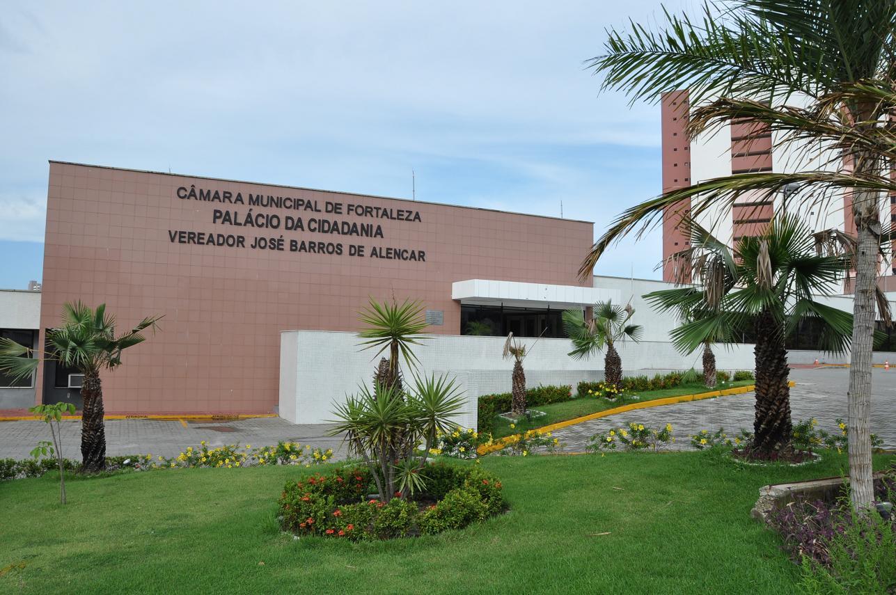 Câmara de Vereadores de Fortaleza realiza sessão solene em homenagem ao advogado público