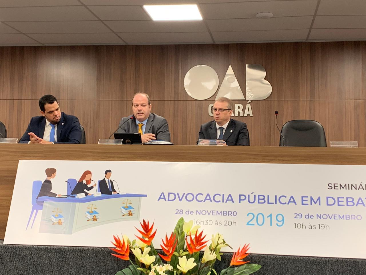 """Presidente da ANPM,Cristiano Reis Giuliani, preside mesa de debates no Seminário """"Advocacia Pública em Debate"""" em Fortaleza"""